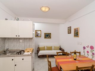 Spacious apartment in the center of Lumbarda with Parking, Internet, Air conditi