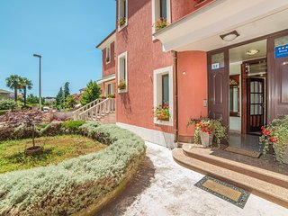 Spacious apartment in the center of Rovinj with Parking, Internet, Washing machi