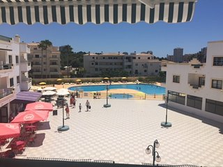 Spacious apartment in the center of Alvor with Lift, Parking, Internet, Air cond