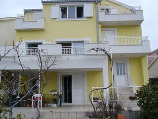 Spacious apartment in the center of Primosten with Parking, Internet, Washing ma