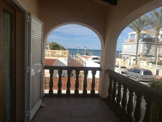 Spacious apartment right near the 'Playa de la Almadrava' in Dénia with Parking,
