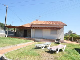Spacious house in the center of Palmeira de Faro with Parking, Internet, Washing