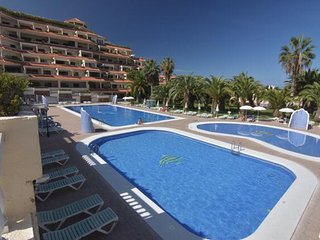 Spacious apartment very close to the centre of Puerto de la Cruz with Lift, Park