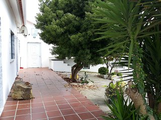Spacious house very close to the centre of Encarnação with Parking, Internet, Wa