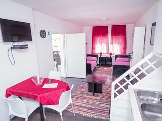 Cosy studio in the center of Strmec Bukevski with Parking, Internet, Washing mac