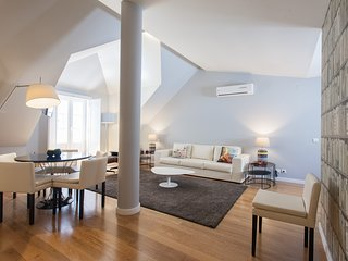 Spacious apartment in the center of Lisbon with Lift, Internet, Washing machine,