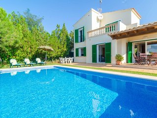 Spacious villa in Campos with Internet, Washing machine, Pool, Terrace
