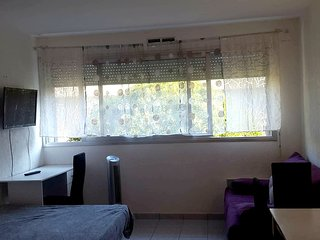 Cosy studio in Villeneuve-Loubet with Parking, Internet, Washing machine