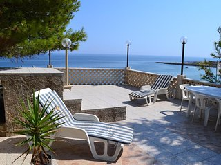 Cozy house in Monopoli with Parking, Washing machine, Air conditioning, Garden