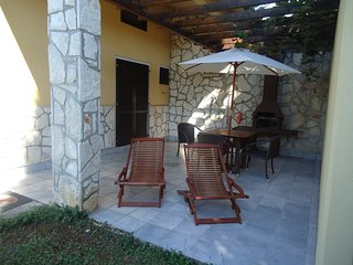 Cozy apartment in the center of Basanija with Internet, Air conditioning, Terrac