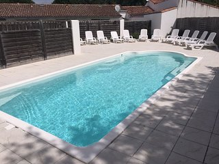 Cozy house very close to the centre of Rivedoux-Plage with Parking, Internet, Wa
