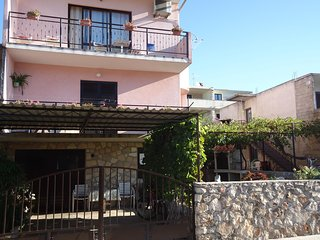 Spacious apartment in the center of Stari Grad with Parking, Internet, Air condi