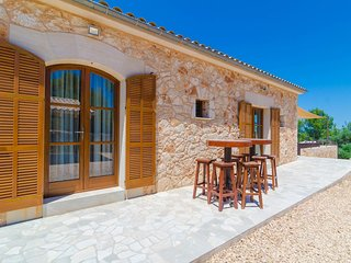 Spacious villa in Sant Joan with Parking, Internet, Washing machine, Air conditi