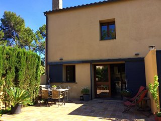 Cozy apartment in the center of Saldet with Parking, Internet, Washing machine,