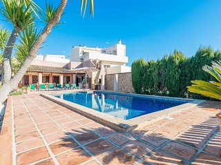 Spacious villa in the center of Manacor with Internet, Washing machine, Air cond