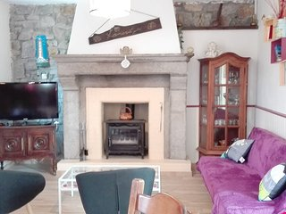 Cozy house in Sourdeval with Parking, Internet, Washing machine, Garden