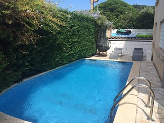 Cozy apartment in the center of Cavalaire-sur-Mer with Parking, Washing machine,