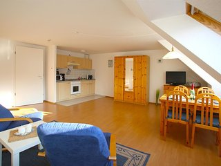 Cosy studio very close to the centre of Waren with Lift, Internet