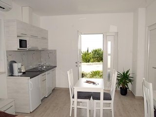 Cozy apartment in Soline with Parking, Internet, Washing machine, Air conditioni