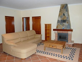 Spacious house in Ourique with Parking, Internet, Washing machine, Air condition