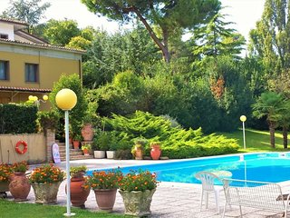 Spacious villa in Pesaro with Parking, Internet, Washing machine, Pool