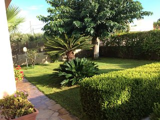 Spacious house in the center of Santa Maria del Focallo with Parking, Internet,