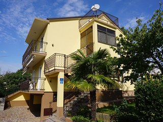 Spacious apartment in the center of Basanija with Parking, Internet, Air conditi