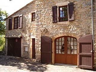 Cozy house in the center of Mostuéjouls with Parking, Washing machine