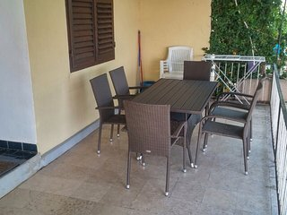Spacious apartment in the center of Baška Voda with Parking, Internet, Air condi