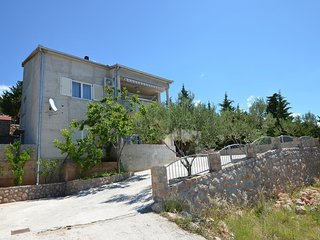 Spacious apartment in the center of Starigrad with Parking, Internet, Air condit