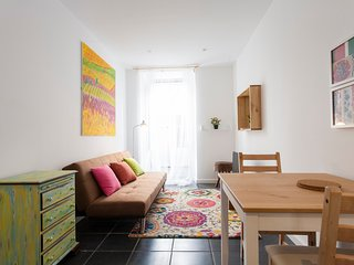 Cozy apartment very close to the centre of Lisbon with Internet, Washing machine