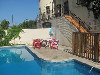 Spacious villa in the center of Cessenon-sur-Orb with Parking, Internet, Washing
