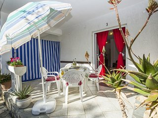 Cozy apartment in the center of Ostrobradic with Parking, Internet, Terrace