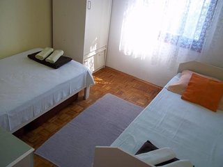 Spacious apartment in the center of Petrcane with Parking, Internet, Air conditi