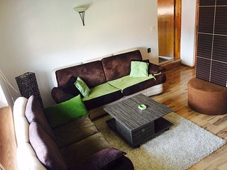 Spacious apartment close to the center of Sarajevo with Internet, Washing machin