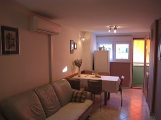 Spacious apartment very close to the centre of Zadar with Internet, Air conditio