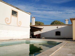 Cozy villa in Alenquer with Parking, Internet, Pool, Terrace