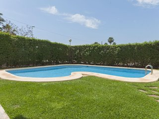 Spacious apartment a short walk away (218 m) from the 'Playa El Arenal' in Xàbia