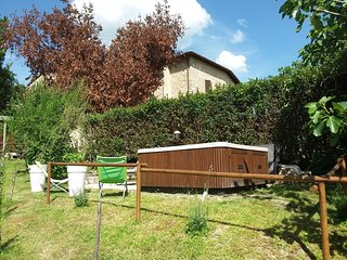 Spacious apartment in Buggiano with Parking, Internet, Terrace