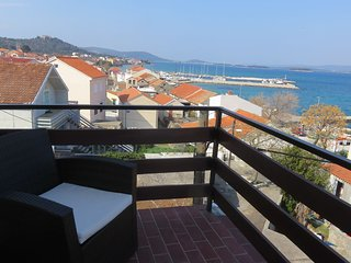 Cozy apartment in the center of Tkon with Parking, Internet, Air conditioning, B