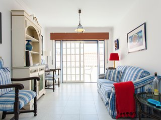 Spacious apartment in the center of Ericeira with Internet, Washing machine, Bal