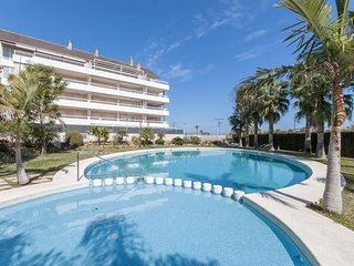 Spacious apartment a short walk away (312 m) from the 'Playa Nova' in Dénia with