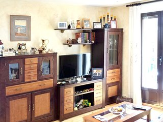 Spacious apartment in the center of Segovia with Parking, Internet, Washing mach