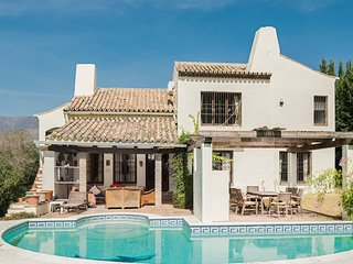 Spacious villa in Estepona with Parking, Internet, Washing machine, Air conditio
