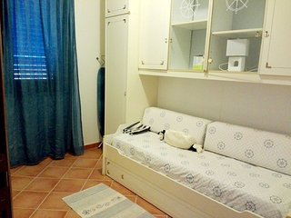 Spacious apartment in Lu Bagnu with Parking, Washing machine, Air conditioning,