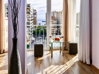 Recently Renovated Condo in Malaga Centre, Sea Views, 5 mins Walk to Beach, Wifi