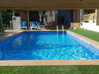 Cozy villa in the center of Nadadouro with Parking, Internet, Washing machine, A