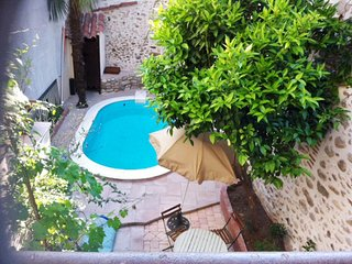 Spacious house in the center of Ceret with Parking, Internet, Washing machine, P