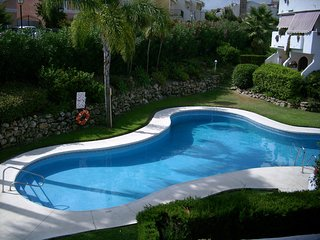 Spacious apartment in Estepona with Parking, Washing machine, Air conditioning,