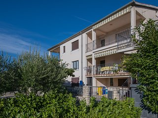 Spacious apartment very close to the centre of Rovinj with Parking, Internet, Ai